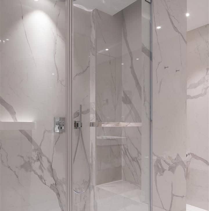 Luxclear Protect, verre anticorrosion pour les portes de douche en verre