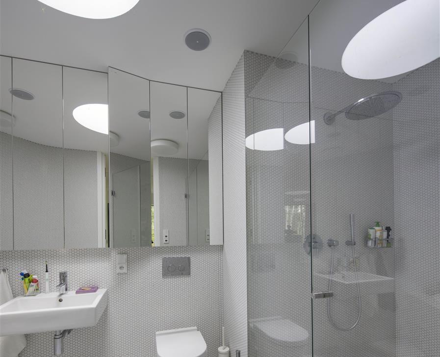 Luxclear Protect, verre anticorrorion pour les cabines de douche en verre